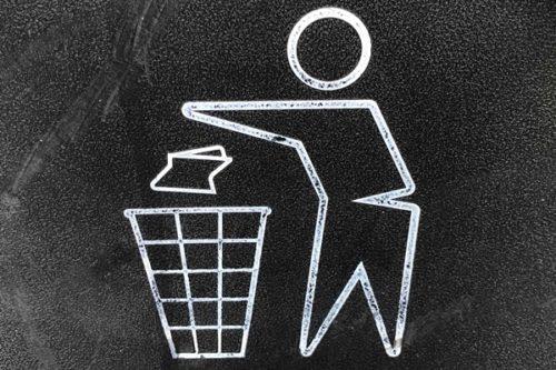 物を捨てられない心理5つと捨てるコツ