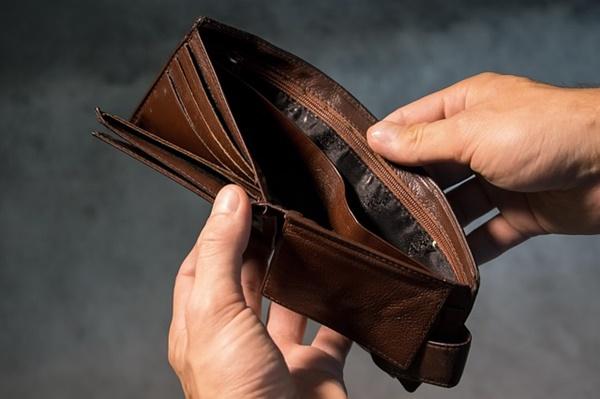 お金に困ってる人が潜在的に抱いている7つの先入観