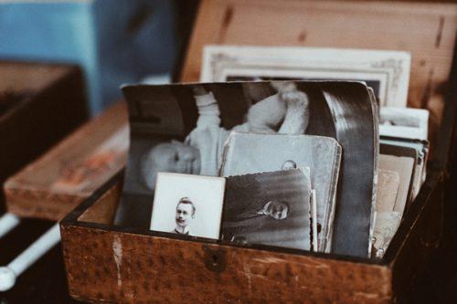 思い出の物を捨てる時に出てくる寂しい気持ちの乗り越え方